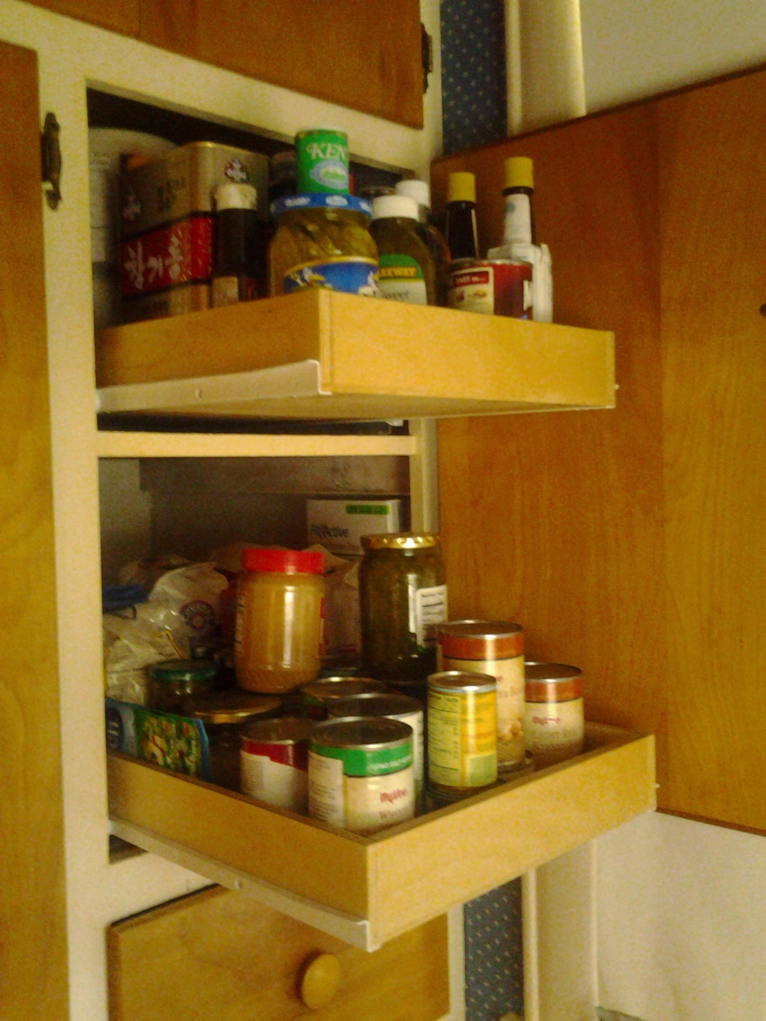 pulloutshelves co